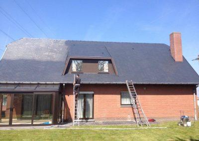 Reinigen en ontmossen dak voor na
